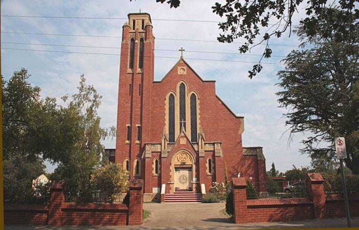 St Francis Xavier Church Mansfield